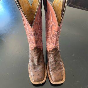 Justin boots. Brown and pink
